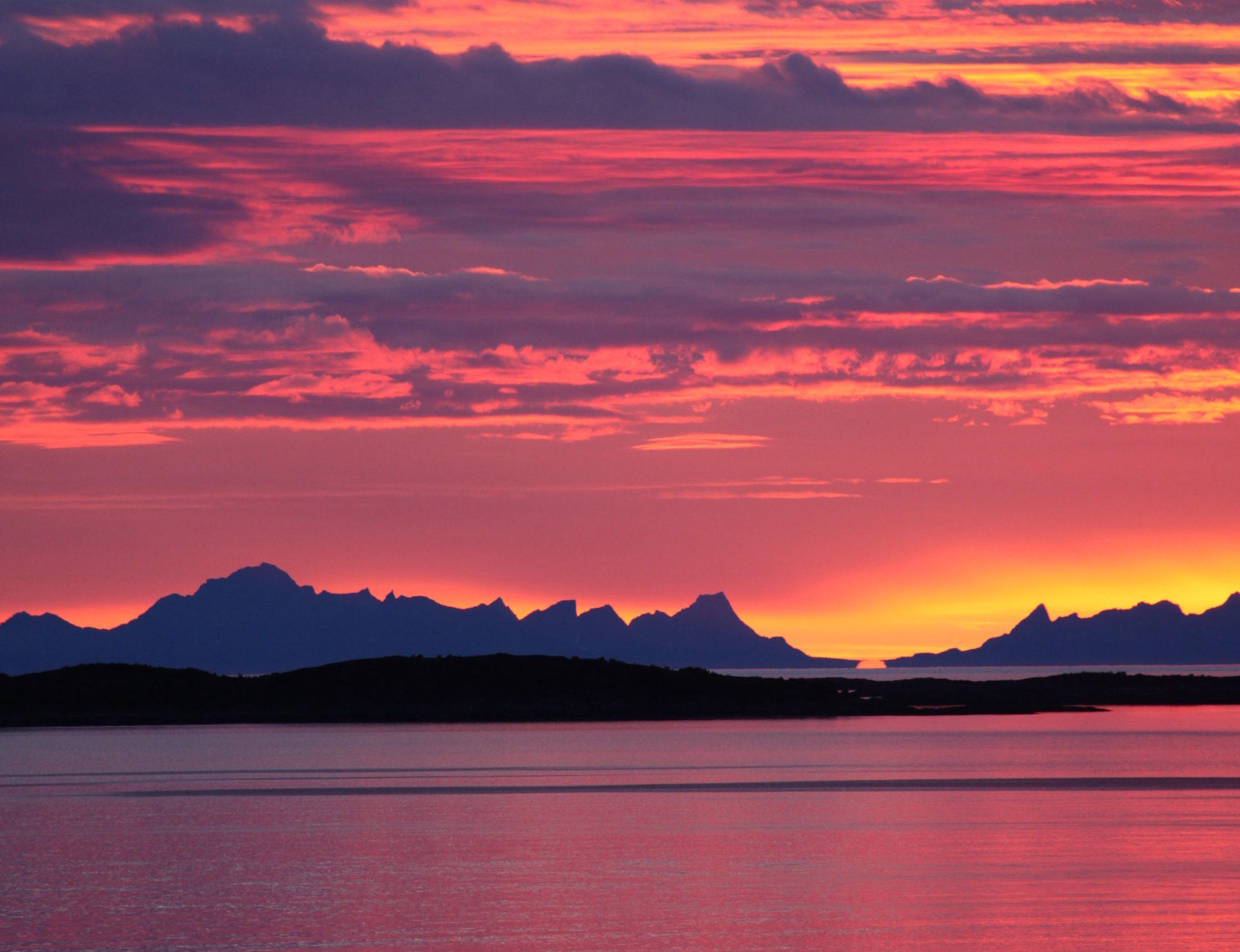 Bodø by light